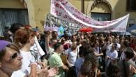 """Palermo, 8 agosto – """"Rifondazione comunista esprime la propria solidarietà agli insegnanti impegnati nella lotta contro la mobilità forzata imposta dal governo Renzi"""". Lo afferma Vincenzo Fumetta,segretario provinciale Prc. """"Siamo […]"""